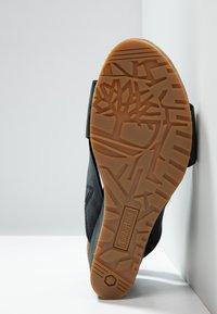 Timberland - CAPRI SUNSET X-BAND - Sandały na koturnie - black - 9