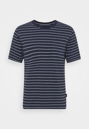 POCKET TEE - T-shirt imprimé - new navy