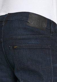 Lee - DAREN ZIP FLY - Jeans a sigaretta - dark tonal park - 4