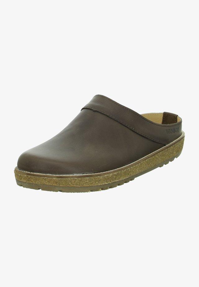 Clogs - braun