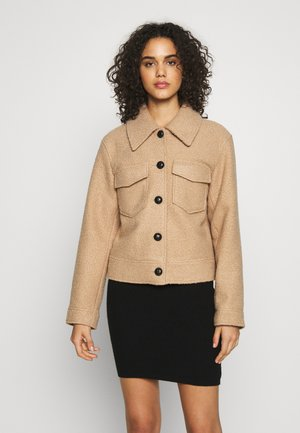 PCNINA JACKET - Bomber bunda - toasted coconut
