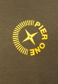 Pier One - Maglietta a manica lunga - olive - 5