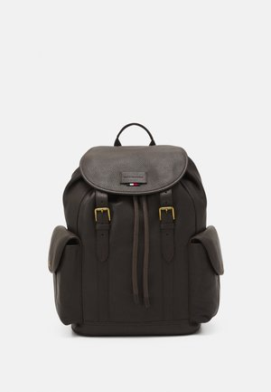 CASUAL FLAP BACKPACK - Reppu - brown