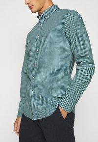 J.CREW - CLASSIC PARKER GINGHAM - Shirt - royal green - 3