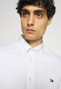 Tommy Hilfiger - CLASSIC OXFORD - Formal shirt - white - 3
