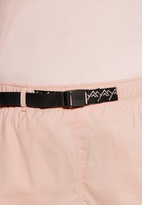 The North Face - CLASS BELTED SHORT  - Pantaloncini sportivi - evenng sand pink - 3