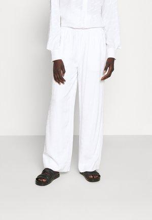 NUKA TROUSER - Kalhoty - white