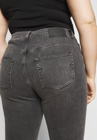 Selected Femme Curve - SLFINA SMOKE  - Jeans Skinny Fit - black denim - 5