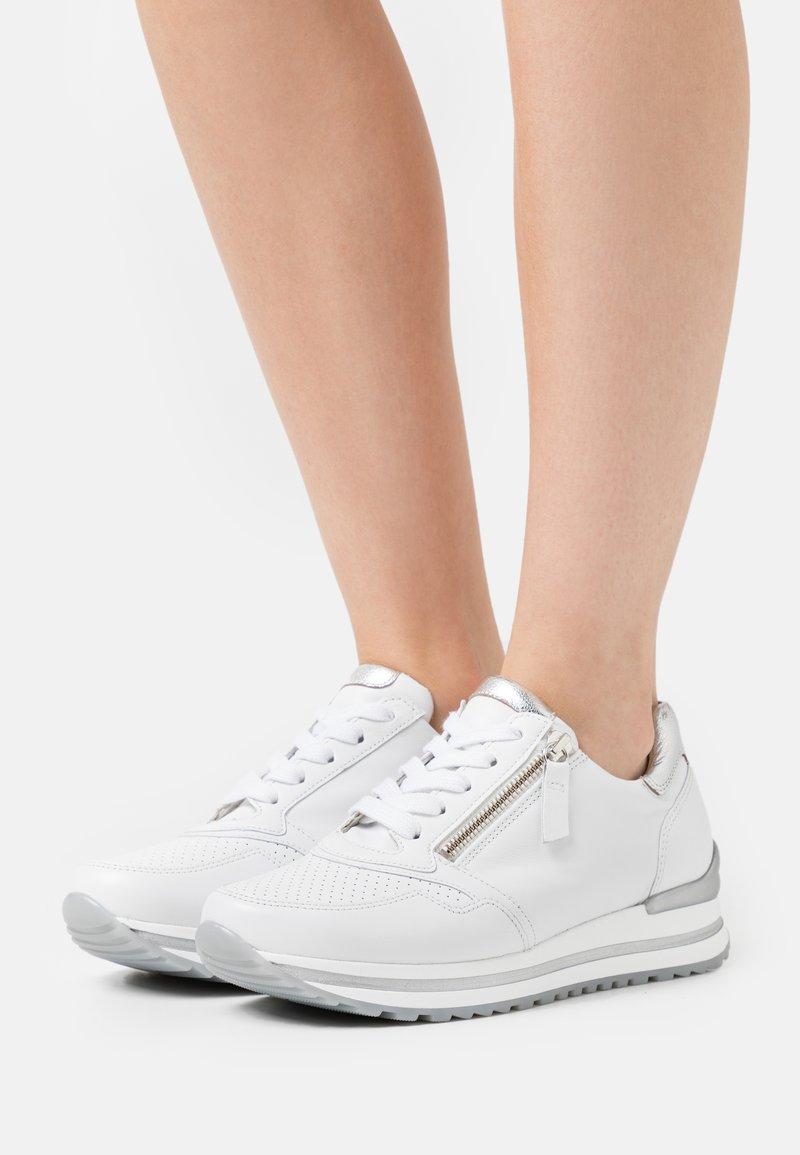 Gabor Comfort - Trainers - weiß/silber