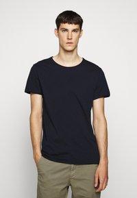 DRYKORN - KENDRICK - T-shirt - bas - navy - 0