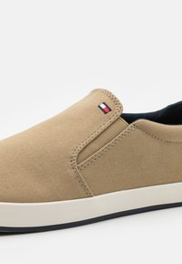 Tommy Hilfiger - ICONIC - Trainers - camel - 5