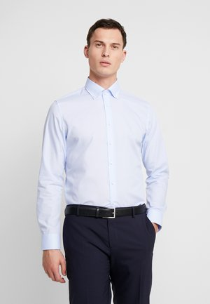 BUTTON DOWN SLIM FIT - Chemise classique - light blue