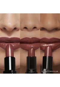 Bobbi Brown - LUXE LIP COLOR - Lipstick - downtown plum - 3