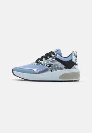 AMUDENA - Sneakers basse - light blue