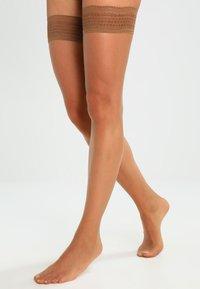 Hudson - 8 DEN LIGHT 8 - Over-the-knee socks - make up - 0