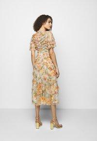 Needle & Thread - SUNSET GARDEN V NECK BALLERINA DRESS - Koktejlové šaty/ šaty na párty - ivory - 2
