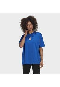 adidas Originals - ADICOLOR 3D TREFOIL T-SHIRT - T-Shirt print - blue - 0