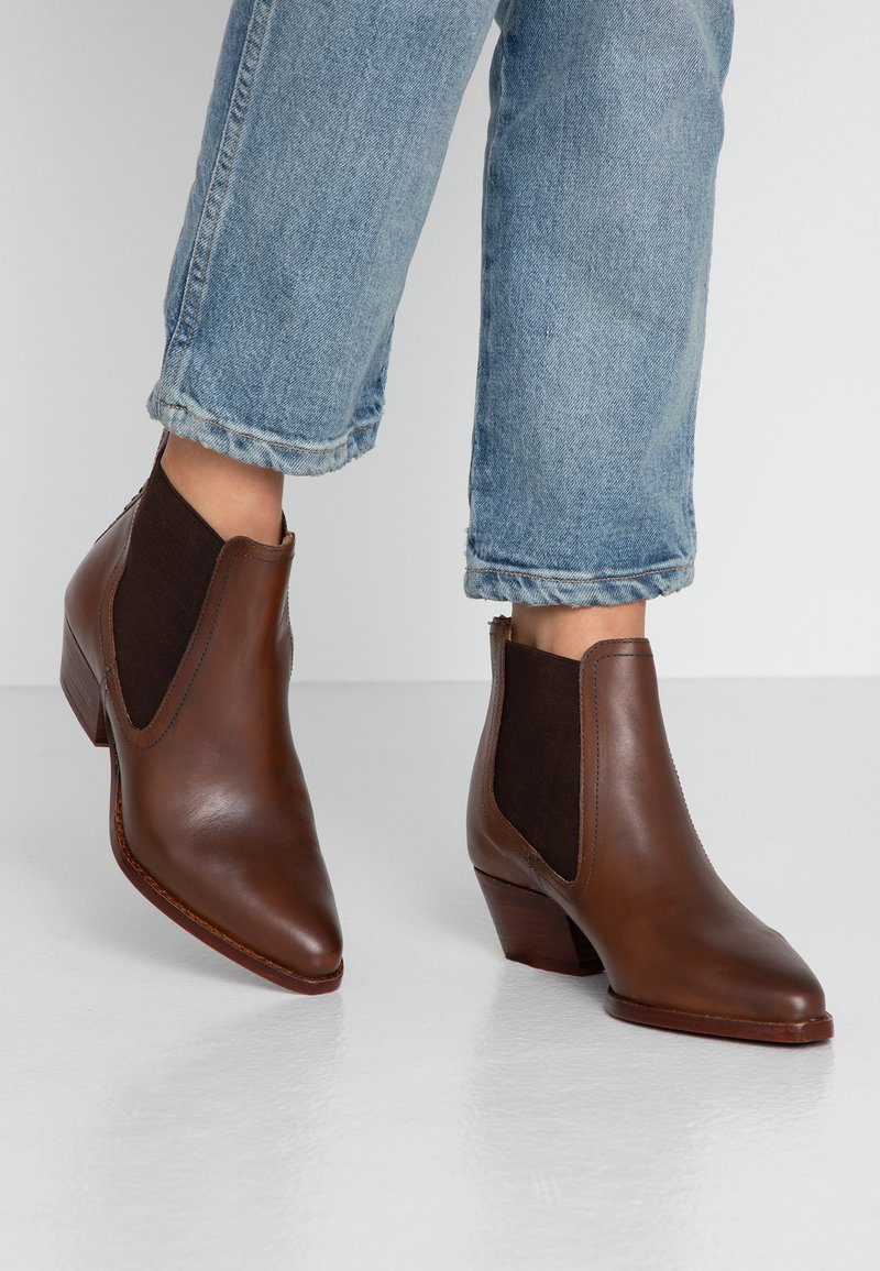H by Hudson - AVERY - Ankle boots - brown