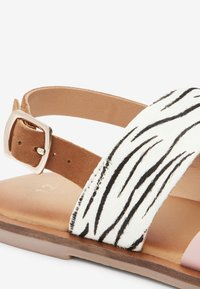 Next - PINK/ ZEBRA CROSS STRAP SANDALS (OLDER) - Sandals - pink - 3