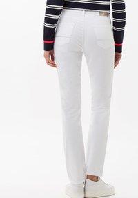 BRAX - STYLE CAROLA - Slim fit jeans - white - 2