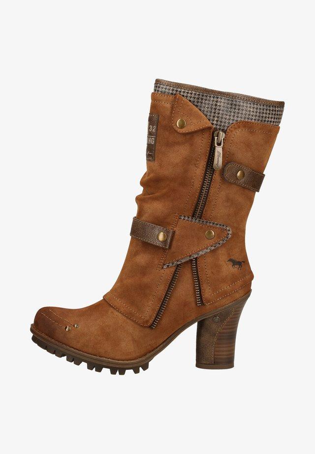 Boots - kastanie