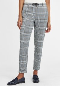 Oxmo - Trousers - insignia blue - 0