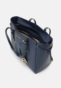 MICHAEL Michael Kors - VOYAGER TOTE - Handbag - navy - 3