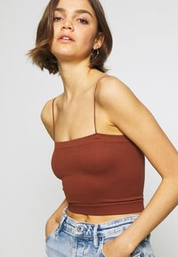 BDG Urban Outfitters - BUNGEE STRAP TUBE - Top - brunette - 4