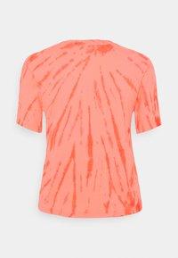 Ética - EVIE - Print T-shirt - coral - 1