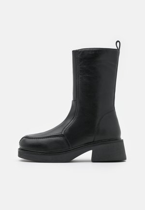 ARIES CHUNKY FLAT BOOT - Stivali con plateau - black