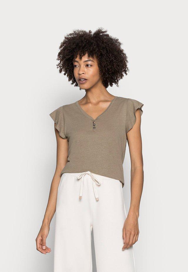 ISABEL - T-shirts - army