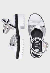 LIU JO - WITH LOGO - Sandály na platformě - white - 3