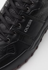 Guess - LUCCA - Trainers - black - 5