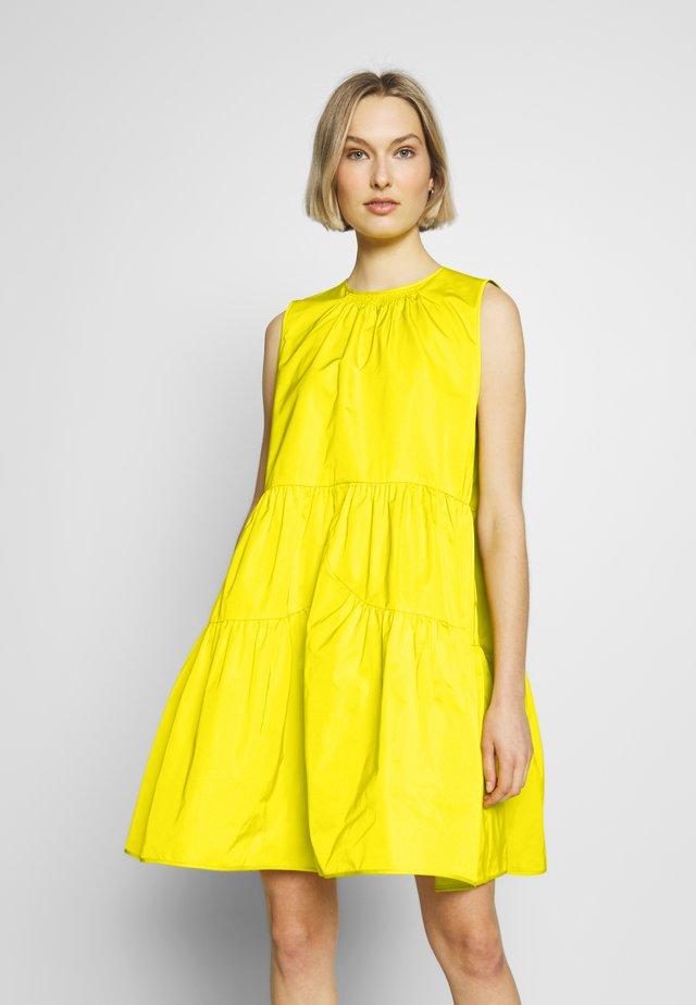 Robe d'été - mimosa