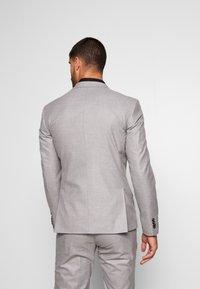 Bertoni - DREJER JEPSEN SUIT - Suit - light grey - 3