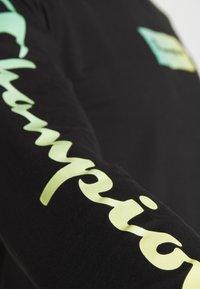 Champion - CREWNECK LONG SLEEVE  - Long sleeved top - black - 4