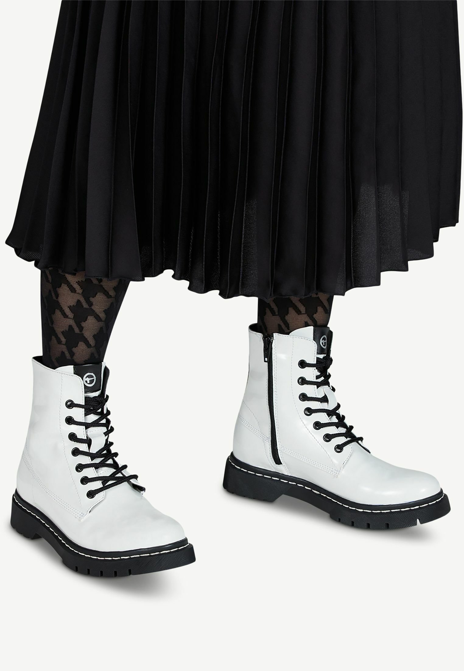 Limit Offer Cheap Women's Shoes Tamaris BOOTS Platform ankle boots white patent 5oFTihsiw
