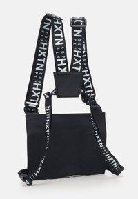HXTN Supply - DELTA PRIME BODY BAG UNISEX - Olkalaukku - black - 2