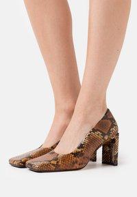 MIISTA - ALICJA AUBURN  - High heels - multicolor - 0