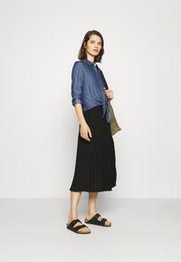 comma - LANGARM - Button-down blouse - dark blue - 1