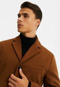 WE Fashion - MANTEL - Classic coat - cognac - 3