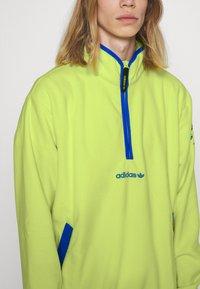 adidas Originals - Fleece jumper - semi frozen yellow - 4