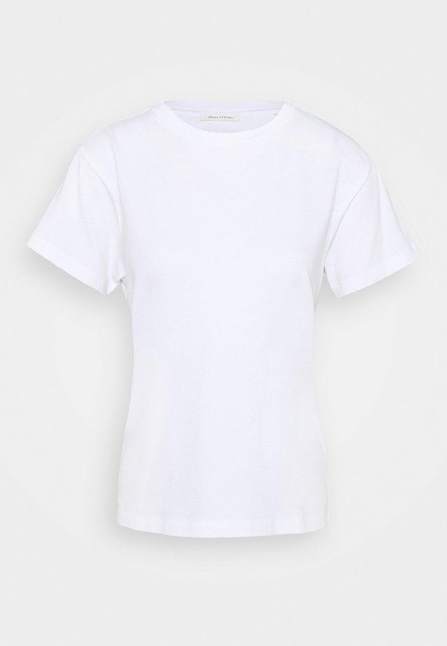 SHORT SLEEVE ROUND NECK LOGO AT BACK NECK - Jednoduché triko - white