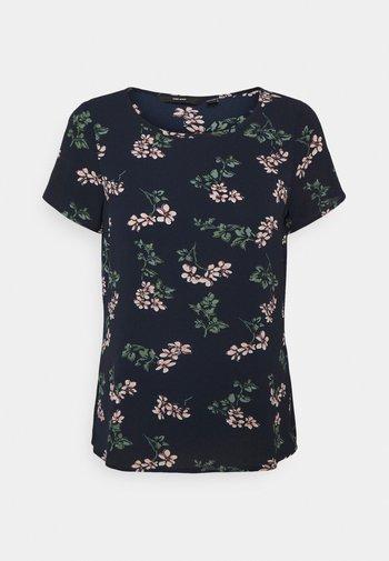 VMSAGA - Print T-shirt - navy blazer/nellie