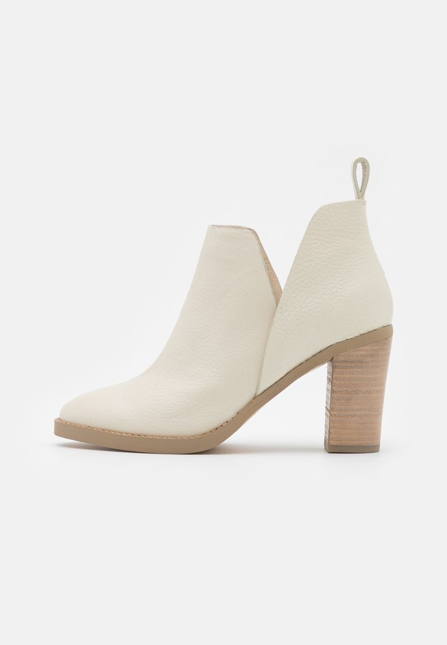 JODY - High heeled ankle boots - bone