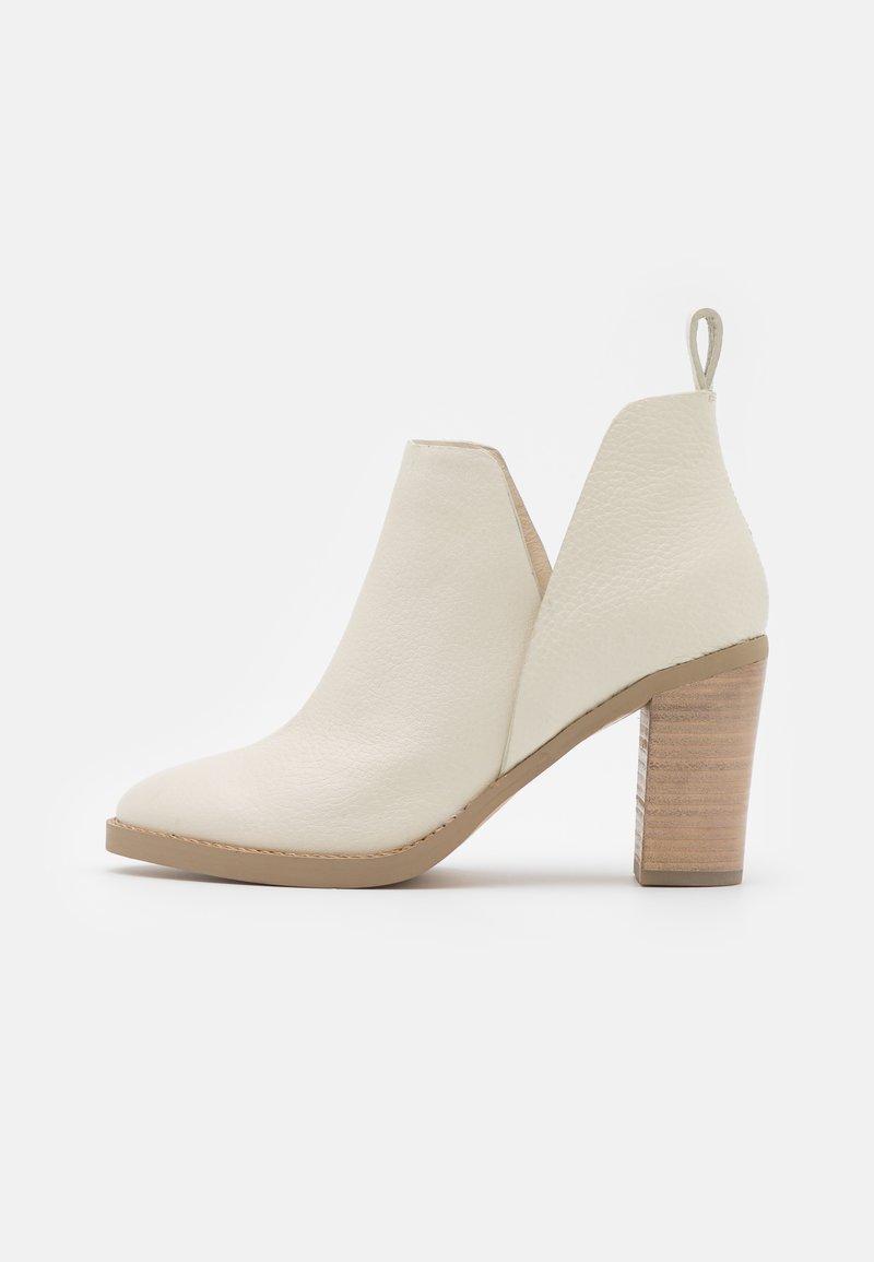 Steven New York - JODY - High heeled ankle boots - bone