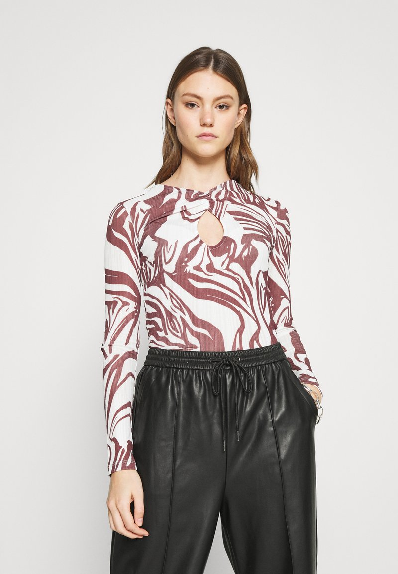 Topshop - SWIRL KEYHOLE - Long sleeved top - choc