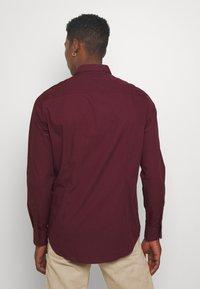 Pier One - Formální košile - bordeaux - 2