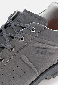 Mammut - ALVRA - Hiking shoes - titanium/dark titanium - 5