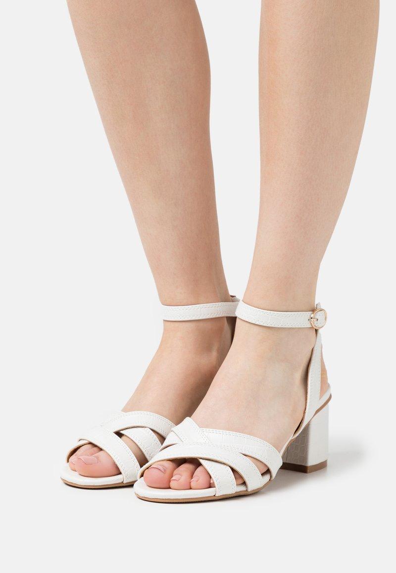 Divine Factory - Sandales - blanc